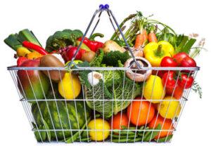Winkelmandje met groente en fruit